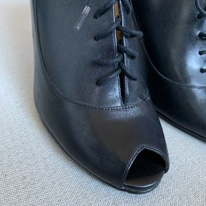 Ciao Bella Black Leather Open Toe Lace Up Heel 10